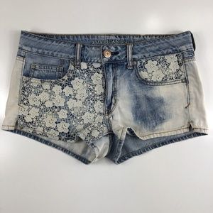 American Eagle Shortie Light Wash Shorts DZ21